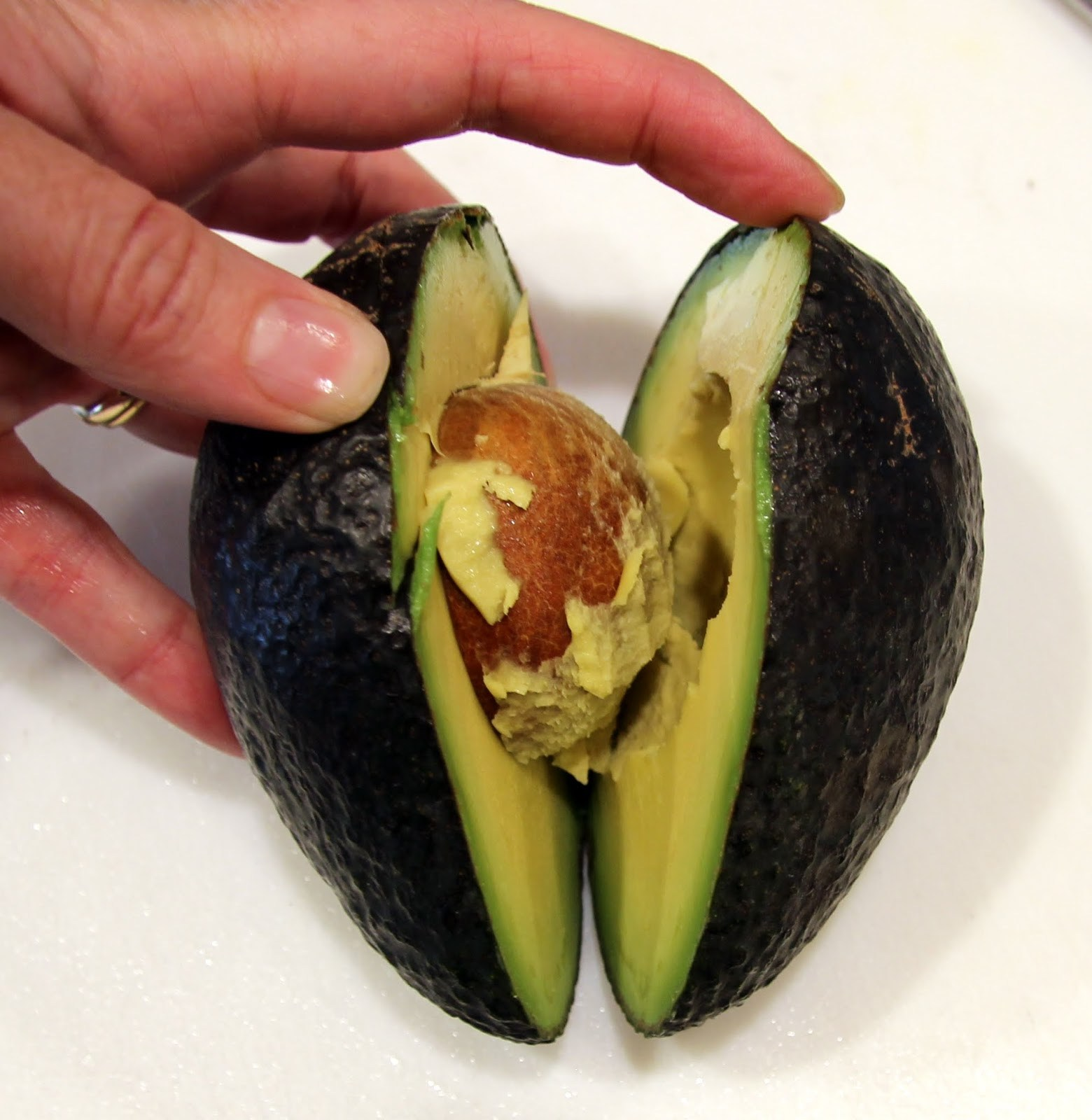 cutting and pitting avocado